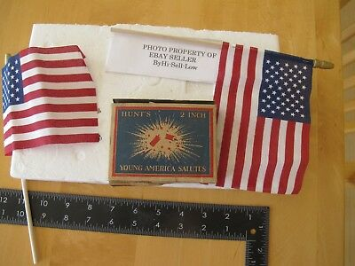 Old  Fireworks Firecracker  Hunts Young America 2 inch Salute Box Real per rules