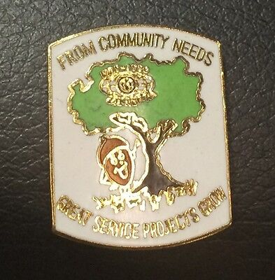 Vintage KIWANIS ~ From Community Needs Great Service Projects Grow Pin