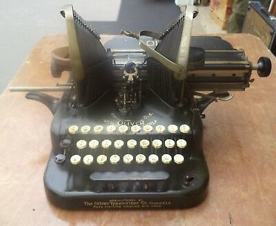 OLIVER No. 5 . TYPEWRITER 113 YEAR OLD  GOOD CONDITION with pencil holder