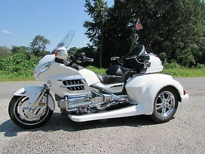 2006 Honda Gold Wing  2006 HONDA GOLDWING GL1800 NEW  ROADSMITH HTS1800 TRIKE WITH RUNNING BOARDS