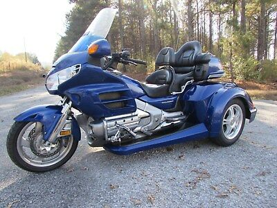 2001 Honda Gold Wing  2001 HONDA GOLDWING GL1800 NEW  ROADSMITH HTS1800 TRIKE WITH RUNNING BOARDS !!