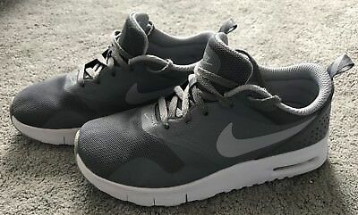 Nike Air Max Tavas Boys Grey Lace Up Trainers Size 2 Junior UK