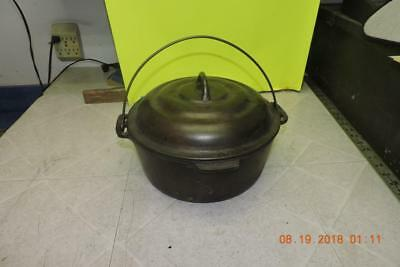 Antique CRESCENT FOUNDRY CO OZARK Cast Iron No.8 Camp Dutch Oven W/Lid Heat Ring
