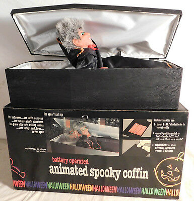 Animated Vampire in Spooky Coffin Green Flashing Eyes w/Box Halloween Sounds