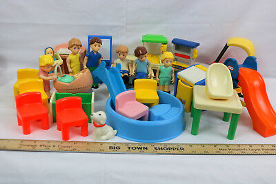 Little Tikes Doll House Figures Pet Furniture Yard Toys Cozy Coupe 30 Pieces