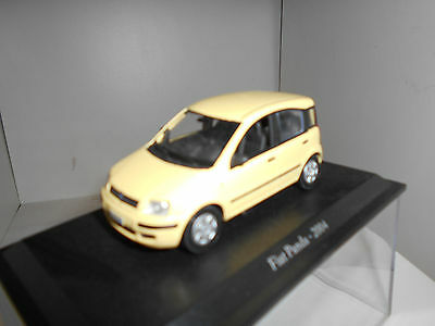 Fiat Panda 2004 + Urna Hard Box Fiat Story Collection Hachette 1:43