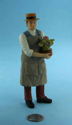 NICE 1:12 Scale Dollhouse Miniature Male Gardener Doll Holding Flowers #SDP290