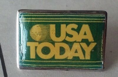 USA Today lapel pin pre-owned green and gold