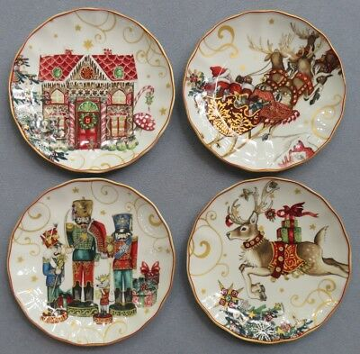 4 Williams-Sonoma Twas the Night Before Christmas Salad Plates Diff Scenes NEW
