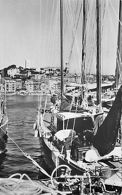 06 Carte Photo Cannes Un Coin Du Port Vue Sur Le Suquet