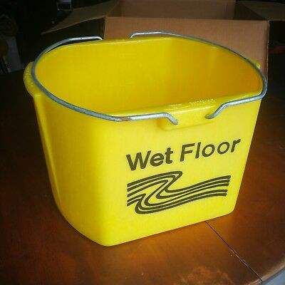 DISCONTINUED Rubbermaid Brute Industrial 26q 6116 Mop Bucket w/o Casters new