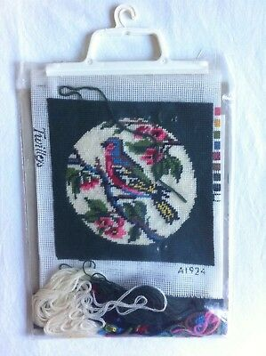 Sweet VINTAGE RETRO Needlepoint  Twilleys Bird   FLORAL Tapestry