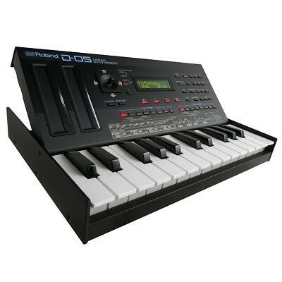 Roland Boutique D-05 Linear Synthesizer with K-25m Keyboard Unit