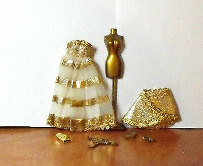 """Minty Topper Htf  """"gold Go Round"""" Fashion # 8311 With Gold Lame Cape 5-1-1"""