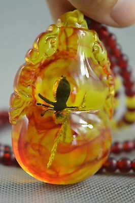 China Collection Handwork Decorate Amber Carve Gourd Shape Inner Insect Necklace
