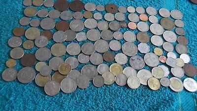 JOB LOT OF BRITISH COMMONWEALTH COINS ( OLD AND MORE RECENT ) 99p RANG 3BD