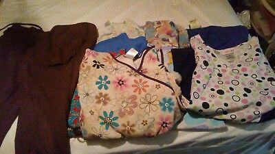 8 scrub tops and 1. Scrub pants. Size M and L