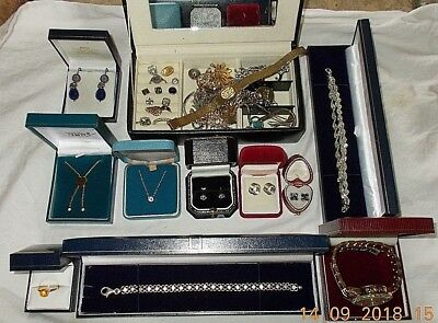 Job Lot of Vintage & Modern Jewellery Including 925 Sterling Silver