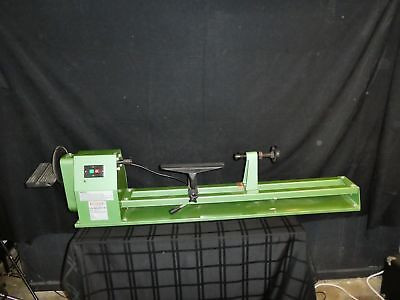 "Central Machinery 14"" x 40"" Wood Lathe With 7"" Disc Sander (390)"
