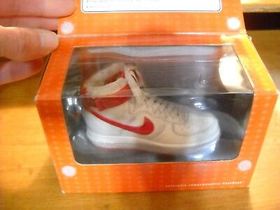 2 Nike Bowen Miniature Figurine Classic Red / White High Top Air Force 1
