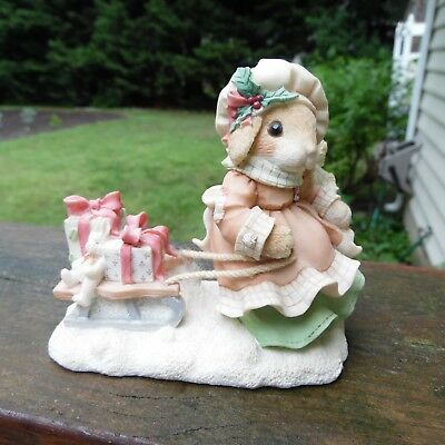 """1996 My Blushing Bunnies Figurine """"The Gift of Friendship is Never Far Behind"""""""