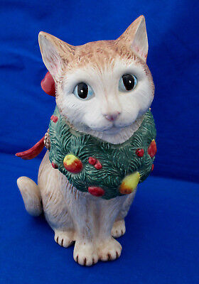 1992 Fitz Floyd HOLIDAY CATS Figurine Brown Blue Eyes Wreath Ribbon Sweet Face