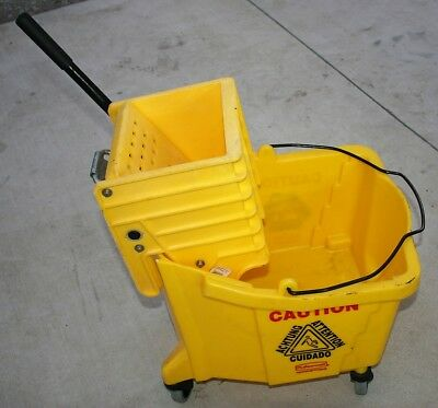 Yellow Rubbermaid Mop Bucket 7570 w/Rubbermaid Mop Wringer 6127 Commercial