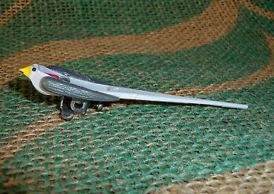 New Cuckoo With Opening Beak, Fixed Wings.