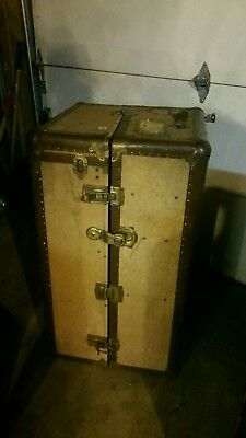 1913 Oshkosh Steamer Trunk