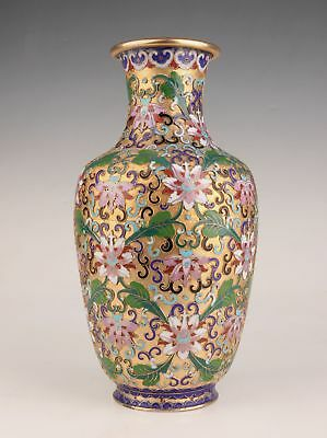Golden Old Cloisonne Large Vase Hand-Carved High-End Home Decoration Collection