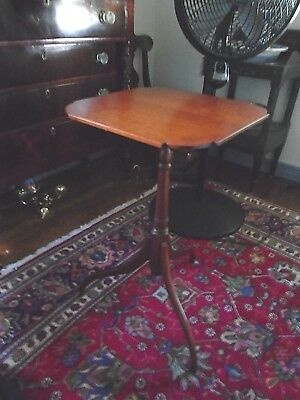ELDRED WHEELER 1998 Cherry Spider Leg Candlestand Hingham, Mass Nice Condition