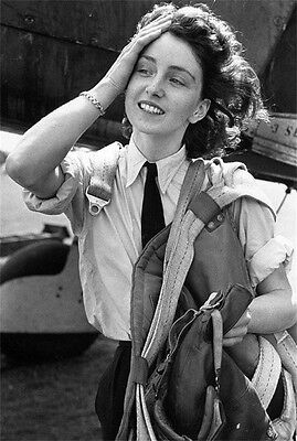WWII Photo Female Pilot British Air Transport Aux 1944 WW2 World War B&W / 1314