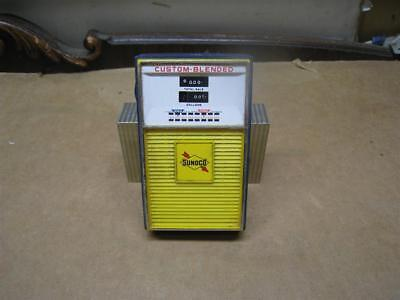Vintage Sunoco Gas Pump Transistor Radio Model 668 - Static Only - As-Is