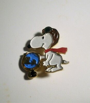 Vintage United Features SNOOPY Red Baron and The Globe World Pin