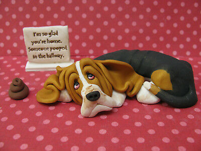 """Handsculpted Tri Basset Hound """"Someone pooped in the hallway"""" Figurine 3 pc."""
