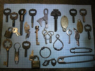 Key Sellers Misc Junk Lot - Key Associated Items - Antique - Old