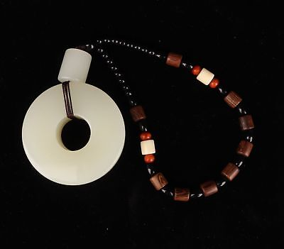 Precious Natural Jade Ring Safety Buckle Pendant With Wood Beads