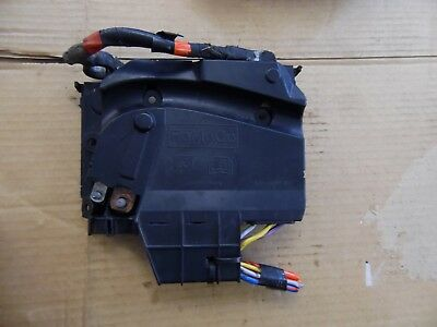 2012 ford focus estate mk3 1 6 under bonnet battery fuse box av6t14a067bb