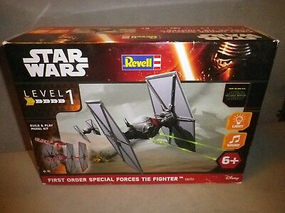 Revell, STAR WARS, FIRST ORDER TIE FIGHTER Licht & Sound 1/51 neu ovp