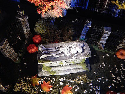 .Halloween TOMBSTONE ~Eternal LOVE, 2 skeletons CRYPT Dept 56 figure gaming mini