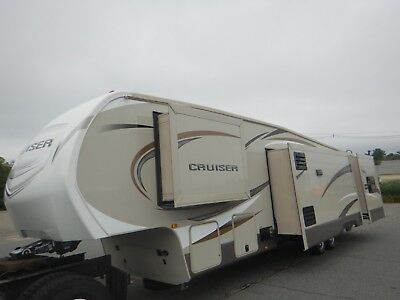 Crossroads Cruiser 39ft 5th Wheel 4 Slides Bunk House Outside Kitchen 4 Season