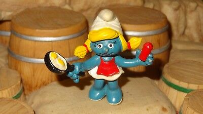Smurfs Breakfast Smurfette Smurf Cooking Eggs Vintage Classic Display Figure