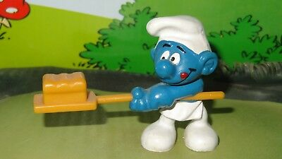 Smurfs Baker Square Bread Loaf Smurf 20113 Rare Vintage Display Figurine