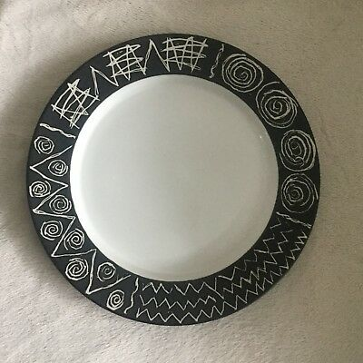 "Rare Scraffito By Habitat Japan 11"" Dinner Plate Good Condition"