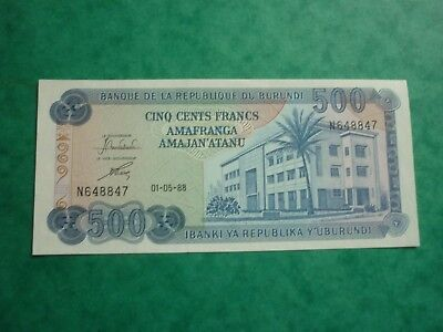 BURUNDI - UNCIRCULATED 1988 ISSUE 500 FRANCS NOTE - P30c