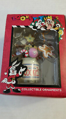 Looney Tunes Ornament TAZ with Cookie Jar Gingerbread Man 1997 Matrix