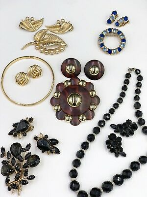 Fantastic Estate Lot of 50 Vintage to Retro Costume Jewelry Items SEE ALL PHOTOS