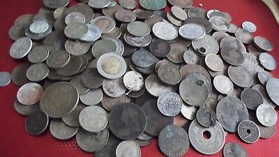 LARGE JOB LOT OF OLD COINS ( MOSTLY METAL DETECT FINDS )  99p 2261 K