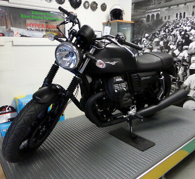 Moto Guzzi V7 Iii Stone Black 2018 New 719900 Picclick Uk