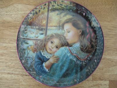 The Bradford Exchange~#3 A Sister's Warmth~Kindred Moments~collector plate~NEW